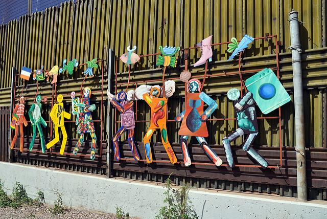 Wall mural Nogales McIntosh