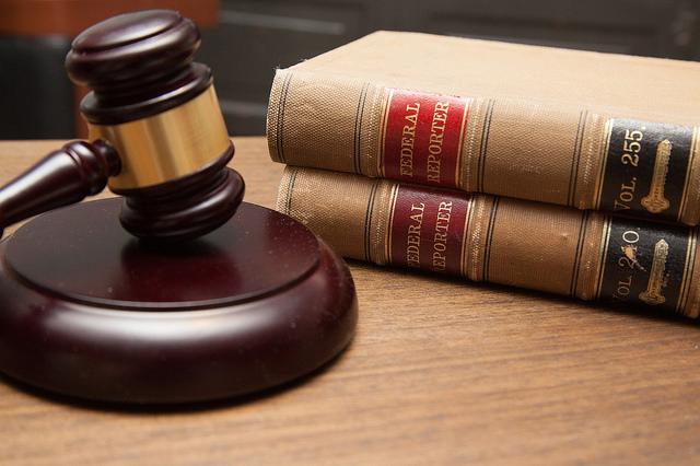 judge's gavel weissparz