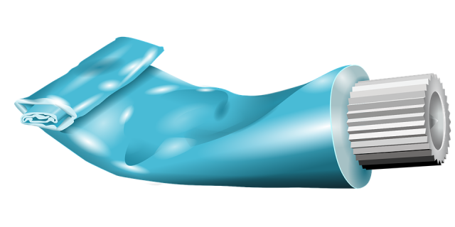 toothpaste-29774_960_720.png